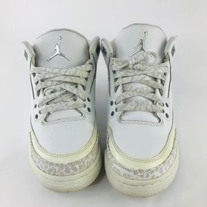 Air Jordan 3 Retro white shoes-sz4.5 boys/6 girls